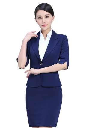 女性职业套装定制与穿着要求有哪些?